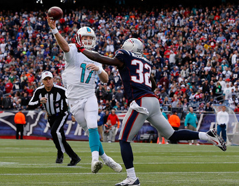 Hi-res-186031420-ryan-tannehill-of-the-miami-dolphins-throws-a-touchdown_display_image