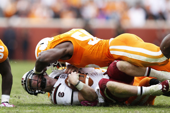 Hi-res-185357621-corey-vereen-of-the-tennessee-volunteers-makes-a-tackle_display_image