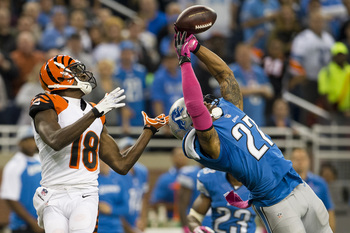 Hi-res-185430158-strong-safety-glover-quin-of-the-detroit-lions-breaks_display_image