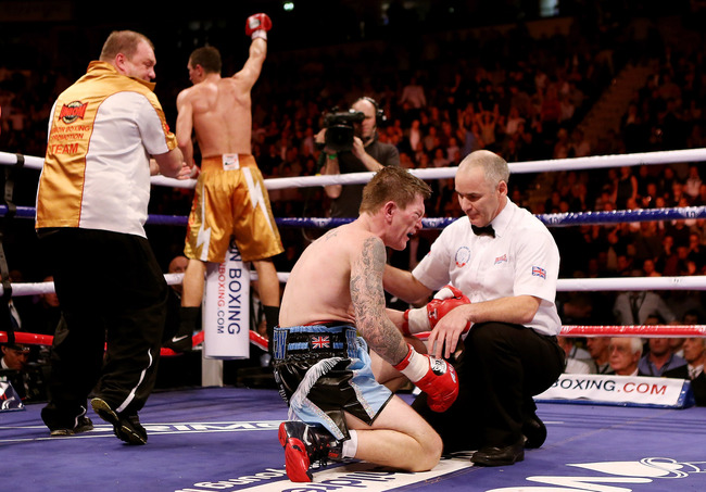 Hi-res-156925902-ricky-hatton-of-great-britainfails-to-get-up-after_crop_650