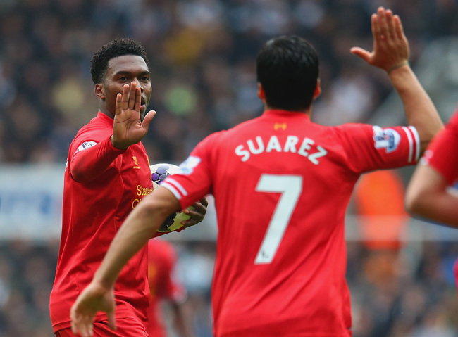 Hi-res-185346910-daniel-sturridge-of-liverpool-high-fives-luis-suarez-of_crop_650