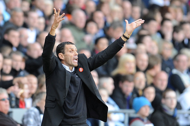 Hi-res-185349181-manager-of-sunderland-gus-poyet-gives-instructions_crop_650
