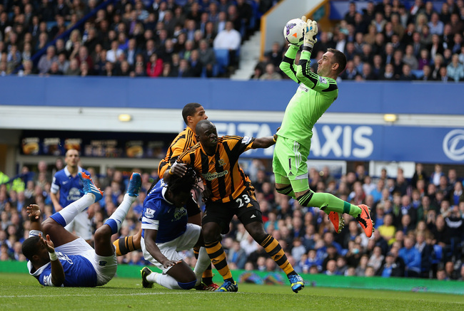 Hi-res-185350301-allan-mcgregor-of-hull-city-saves-from-an-everton_crop_650