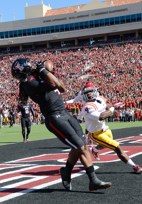 Hi-res-184234788-bradley-marquez-of-the-texas-tech-red-raiders-catches-a_display_image