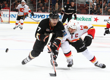 Hi-res-185022766-andrew-cogliano-of-the-anaheim-ducks-battles-for-the_display_image