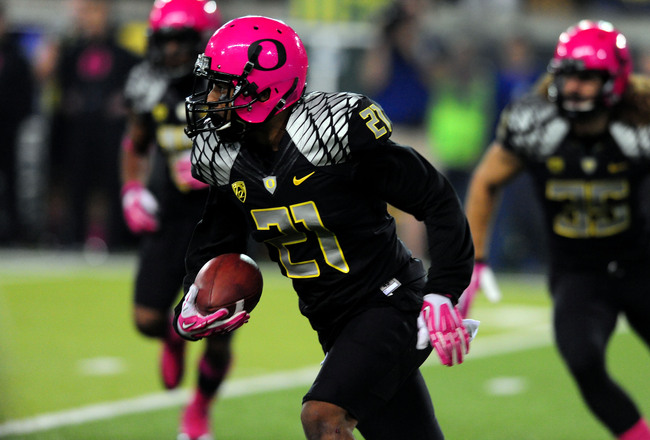 Hi-res-185388912-cornerback-avery-patterson-of-the-oregon-ducks-runs_crop_650x440