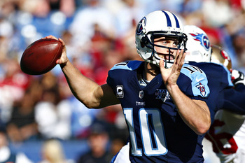 Hi-res-185435839-jake-locker-of-the-tennessee-titans-throws-a-pass-in_display_image