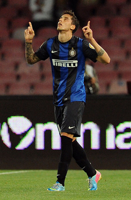 Ricky Alvarez celebrates an equalizing penalty in last May's match against Napoli.