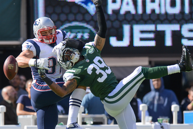 Hi-res-185420296-free-safety-antonio-allen-of-the-new-york-jets-breaks_crop_650