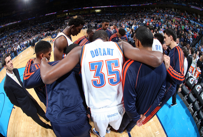 Hi-res-184715746-the-oklahoma-city-thunder-huddle-before-the-game_crop_650x440