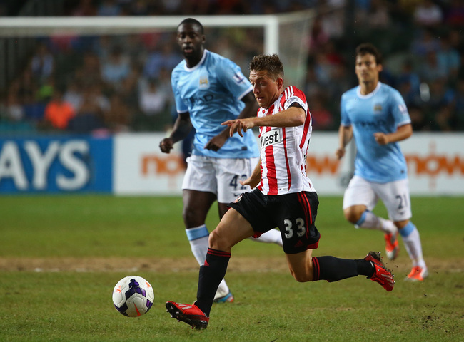 Hi-res-174548982-emanuele-giaccherini-of-sutherland-runs-with-the-ball_crop_650