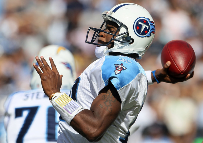Hi-res-106601861-quarterback-vince-young-of-the-tennessee-titans-plays_crop_650