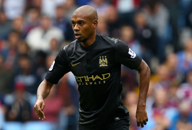 Hi-res-182580106-fernandinho-of-manchester-city-controls-the-ball-during_crop_650x440
