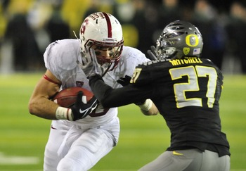 Hi-res-156650132-tight-end-zach-ertz-of-the-stanford-cardinal-tries-to_display_image