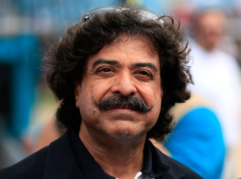 Hi-res-152186374-owner-shahid-khan-of-the-jacksonville-jaguars-watches_display_image