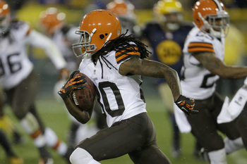 Hi-res-185446534-travis-benjamin-of-the-cleveland-browns-runs-with-the_display_image