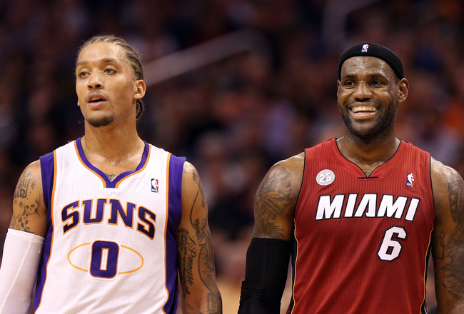 Hi-res-156843331-michael-beasley-of-the-phoenix-suns-and-lebron-james-of_crop_650x440