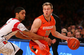 Peyton Siva defends Trevor Cooney