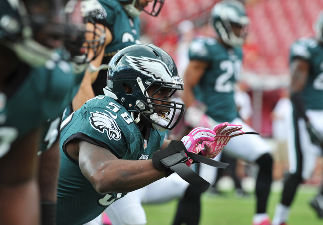 Hi-res-185103586-linebacker-trent-cole-of-the-philadelphia-eagles-warms_crop_650