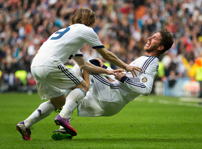 Hi-res-162989615-sergio-ramos-of-real-madrid-celebrates-scoring-his_crop_650