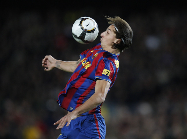 Hi-res-92881063-zlatan-ibrahimovic-of-barcelona-controls-the-ball-during_crop_650
