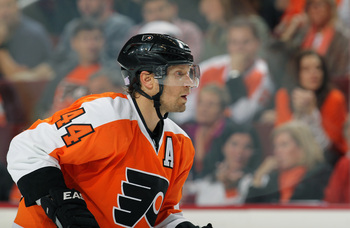 Hi-res-184765933-kimmo-timonen-of-the-philadelphia-flyers-looks-on_display_image
