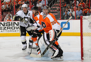 Hi-res-185151315-steve-mason-of-the-philadelphia-flyers-watches-the-play_display_image