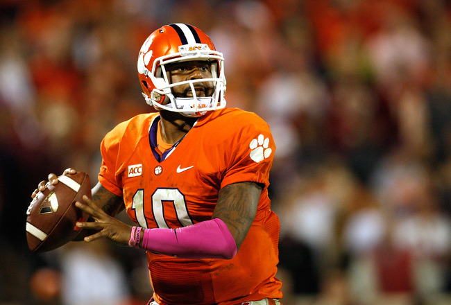 Hi-res-185381752-tajh-boyd-of-the-clemson-tigers-looks-to-pass-during_crop_650x440