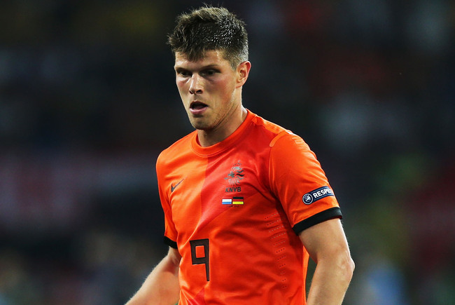 Hi-res-146303325-klaas-jan-huntelaar-of-netherlands-controls-the-ball_crop_650
