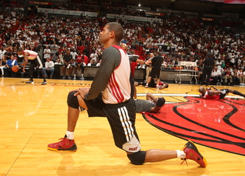 Hi-res-183592390-shane-battier-of-the-miami-heat-wamrs-up-before-the-red_display_image