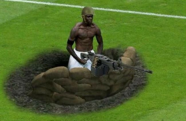 Balotelli-meme-machine-gun_crop_650