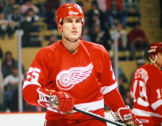 Hi-res-88450732-1980s-john-ogrodnick-of-the-detroit-red-wings-skates_crop_650