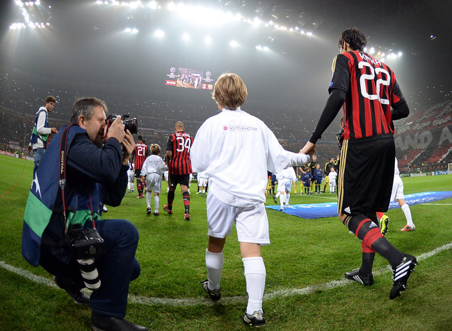 Hi-res-185587764-kaka-of-ac-milan-enters-the-pitch-before-the-uefa_crop_650