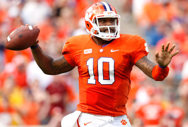 Hi-res-184231056-tajh-boyd-of-the-clemson-tigers-drops-back-to-pass_crop_650x440