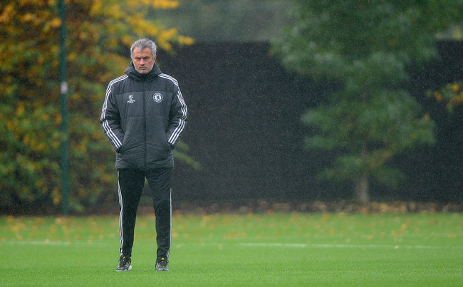 Hi-res-185469320-chelsea-manager-jose-mourinho-keeps-an-eye-on-the-warm_crop_650
