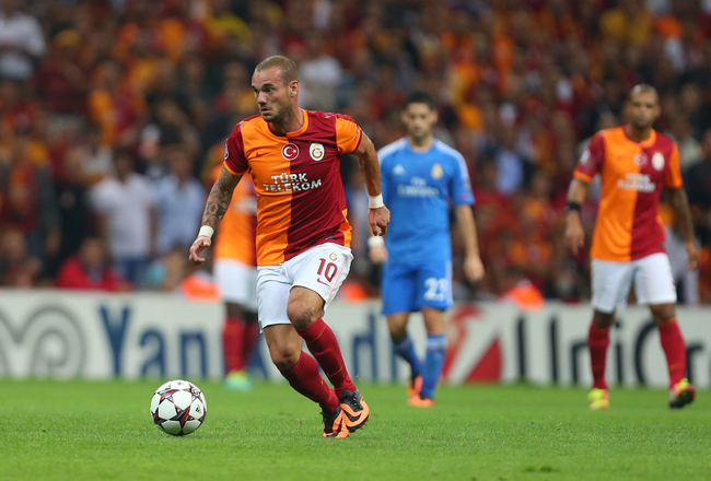 Hi-res-180899614-galatasarays-wesley-sneijder-rides-the-ball-during-uefa_crop_650x440