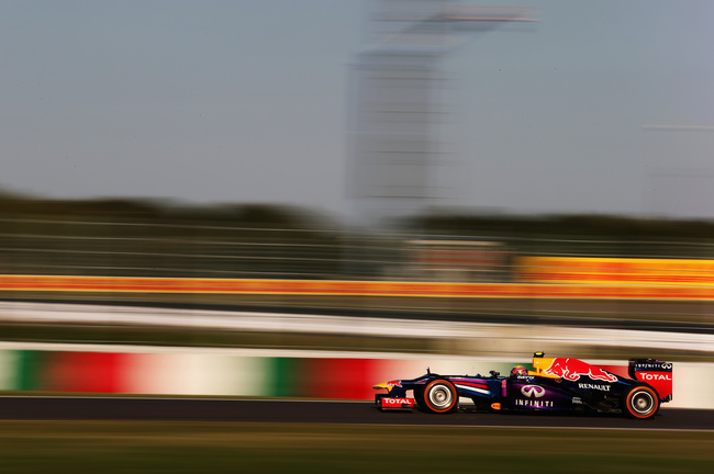 Hi-res-184368354-mark-webber-of-australia-and-infiniti-red-bull-racing_crop_650