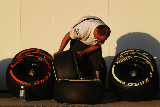 Hi-res-184206789-sauber-mechanic-cleans-pirelli-tyres-following_crop_650