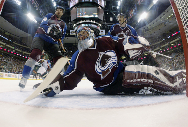 Hi-res-1945221-goalie-patrick-roy-of-the-colorado-avalanche-follows-the_crop_650x440