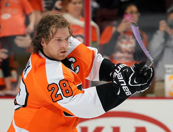 Hi-res-185529258-claude-giroux-of-the-philadelphia-flyers-uses-a-purple_display_image