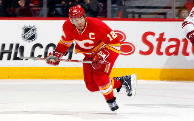 Hi-res-163108168-jarome-iginla-of-the-calgary-flames-skates-against-the_crop_650