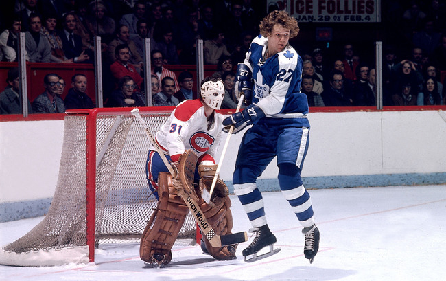 Hi-res-73636101-1970s-darryl-sittler-of-the-toronto-maple-leafs-screens_crop_650