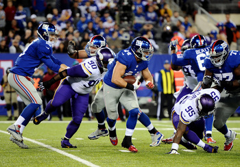 Hi-res-185519284-running-back-peyton-hillis-of-the-new-york-giants-runs_display_image