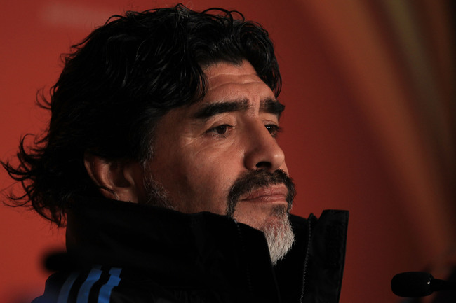 Hi-res-102586421-argentinas-head-coach-diego-maradona-speaks-to-the_crop_650