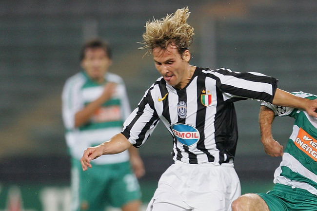 Hi-res-55805442-pavel-nedved-of-juventus-battles-with-steffen-hofmann-of_crop_650