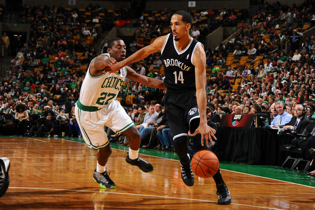 Hi-res-185674517-shaun-livingston-of-the-brooklyn-nets-drives-to-the_crop_650