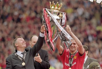 Hi-res-948373-may-2001-manchester-united-manager-alex-ferguson-and_display_image