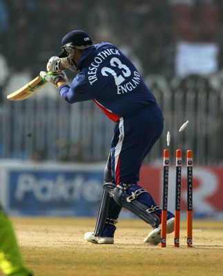 Hi-res-56474844-marcus-trescothick-of-england-is-bowled-out-by-mohammad_display_image