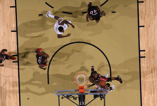 Hi-res-185686433-chris-bosh-of-the-miami-heat-goes-up-for-the-shot_crop_650x440
