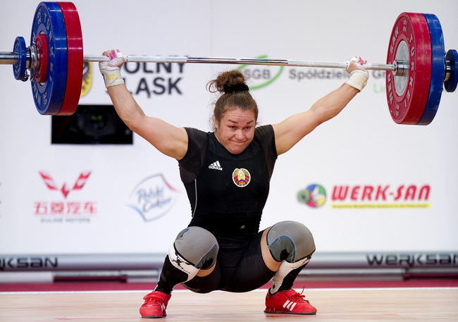 Hi-res-185719666-dzina-sazanavets-from-belarus-lifts-in-snatch_crop_650
